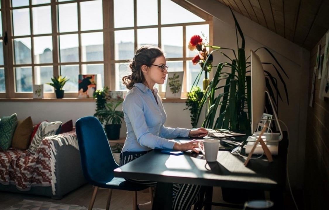 Nhiều nhân viên văn phòng bất ổn tinh thần khi làm việc từ xa