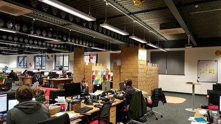 Văn phòng mở: Nhân viên cố
